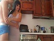 Coroa gostosa godendo forte na rola do garotao na cozinha