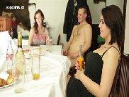 Sexo grupal com homens e mulheres na suruba