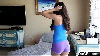 Linda ninfetinha do xxvideo tocando em sua buceta