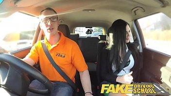 Novinha mallandrinhas fode com o taxista