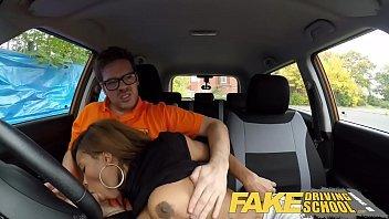 Vadia tia tanaka fode demais no meu carro