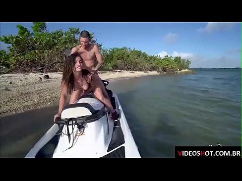 Gostosa do xvideos casadas em foda com seu marido