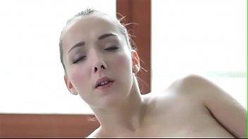 Deliciosa peituda no video sexo fodendo demais
