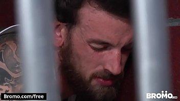 Gays transando demais na cela da cadeia