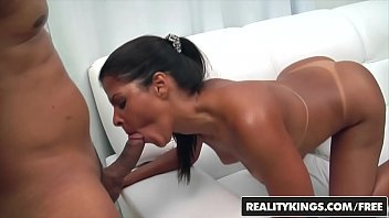 Mega porno com uma brasileira maravilhosa dando o cu