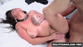 Sexo com novinha do peitão fazendo vídeo porno