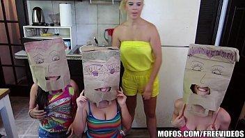 Gangbang trio de mulheres safadas dando gostoso