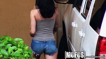 Magrinha gostosa dando no motel para o seu amante