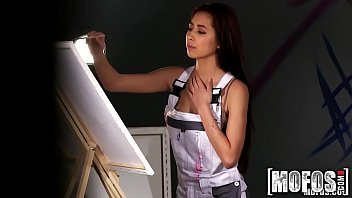 Vidiosexo ruiva pintora dando a sua xoxota