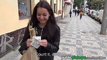 Deu dinheiro pra desconhecida que deu a sua xoxota todinha