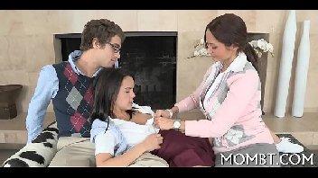 Xvodeos com mãe e filha transando gostoso