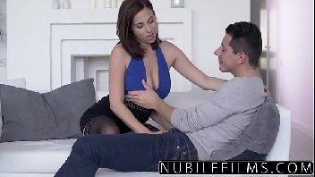 Porno tub gata bem sensual no sexo dando