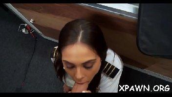 Vendedor safado comendo a aeromoça gostosa