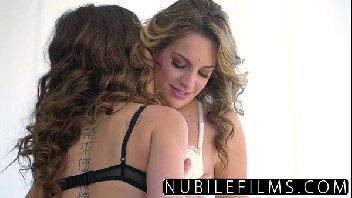Xvideosnovinha com lésbicas transando gostoso
