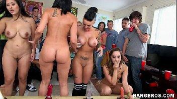 Orgia gostosa com as safadas em um festa muito louca