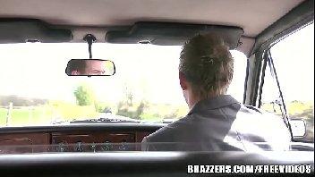 Motorista safado metendo na noiva antes do casamento