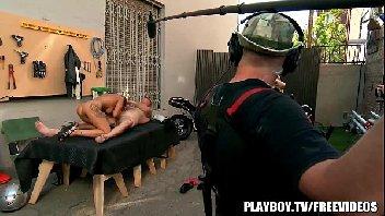Mulher gravou uma cena porno metendo com o macho