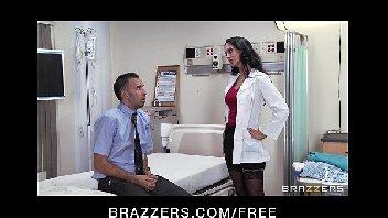 Doutora safada fode com paciente machão