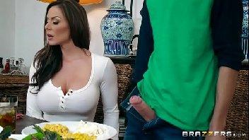 Novinho pauzudo metendo na mulher gostosa
