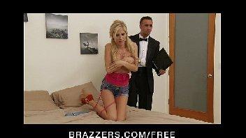 Porn free com loira boa metendo com o malandro de terno