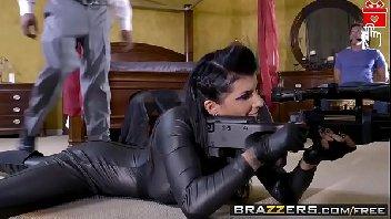 Porno suruba com mulher gostosa tomando cacete