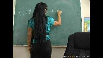 Porno vídeo com professora safada metendo com vontade