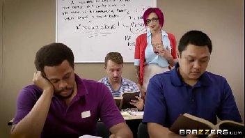 Professora safada fica peladinha para aluno comer o seu cu