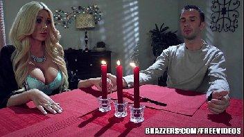 Sogra faz o jantar e mete gostoso com o seu genro