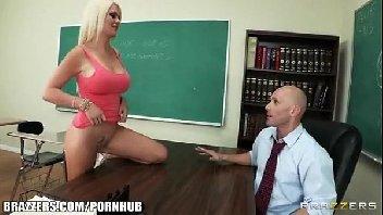 Xnxx com aluna loira gostosa metendo com o seu professor