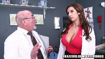 Medico safado comendo a sua assistente puta