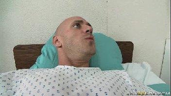 Porno filme mulher boa fodendo com o macho careca