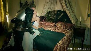 Rei safado comendo a sua princesinha loira