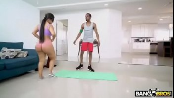 Sexo porno com mulher novinha fodendo de jeito