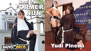 Padre pecador metendo com a freira gostosa