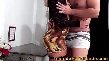 Mulher deliciosa transando gostoso no motel