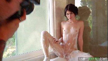 Novinha safadinha fodeu na banheira de hidromassagem