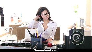 A secretaria dos sonhos transou com o seu patrão