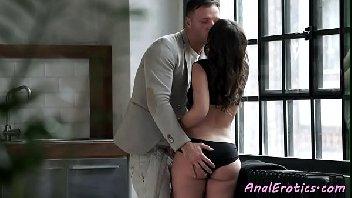 Ela seduziu e deu o cuzinho para o seu chefe safado