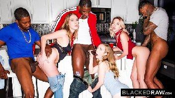 Casaisliberais na orgia interracial