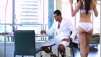 Video de trasa gostosa relaxando o marido depois do trabalho